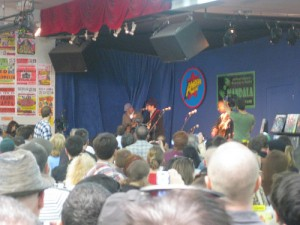 Holy Crap! Jim Lauderdale played for free at Amoeba!