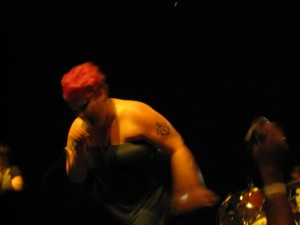 Beth Ditto belting it out.