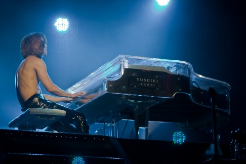 Yoshiki on his clear & silver piano