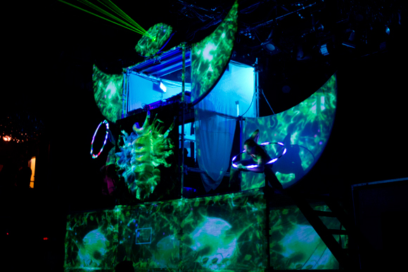The Shpongletron in full sway