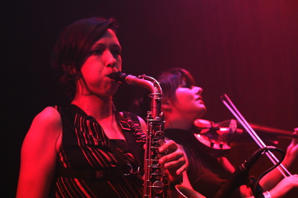 Leslie Wacker on sax and Rebecca Schlappich on viola