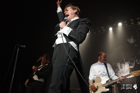 Presenting... The Hives!