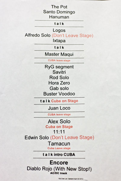 Rodrigo y Gabriela's setlist (with set changes indicated)