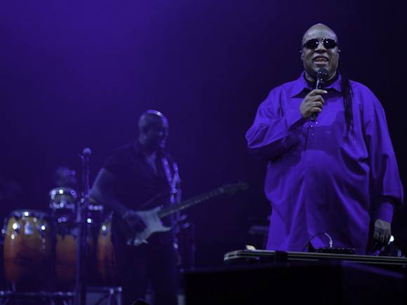 Stevie Wonder and his gleeful grin (photo by Diana Cordero)