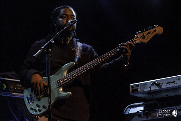 Jeff Gaines on bass