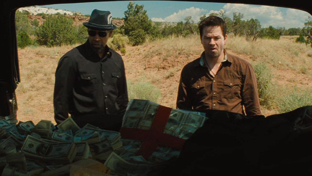 Denzel Washington and Mark Wahlberg steal a bit more money than they were expecting in 2 Guns.