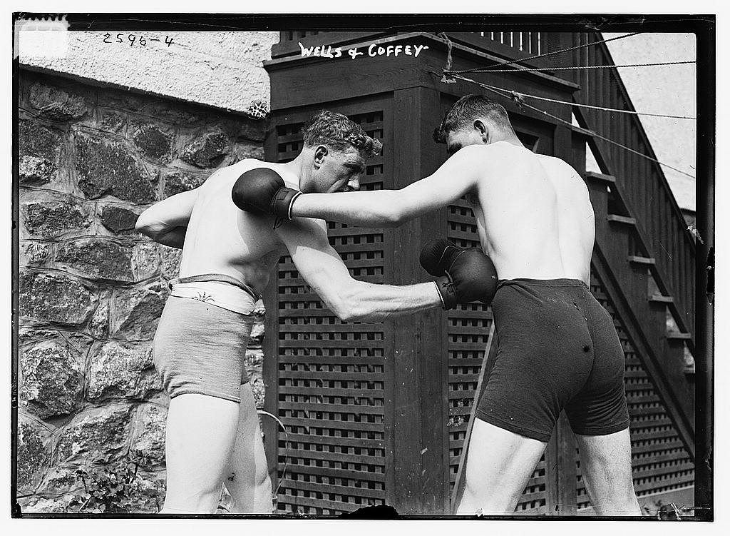 The competition this year was not quite as violent as that between Wells & Coffey. (Photo: George Grantham Bain Collection (Library of Congress))