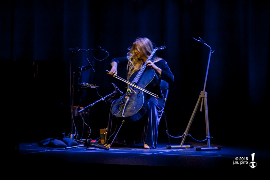 Caroline Lavelle on cello