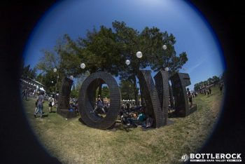 Laura Kimpton's Love sculpture makes another appearance! (Photo credit: BottleRock Napa Valley / Latitude 38 Entertainment)
