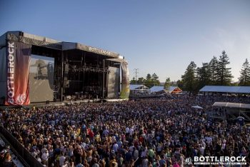The crowd enjoys Lenny Kravitz's energetic set. (Photo credit: BottleRock Napa Valley / Latitude 38 Entertainment)