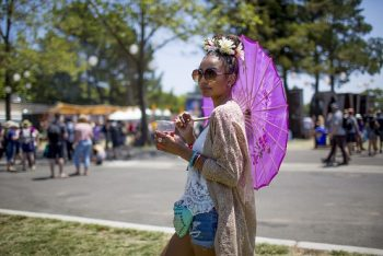 Festival fashion in full effect. (Photo credit: BottleRock Napa Valley / Latitude 38 Entertainment)