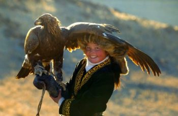 Young Aisholpan hopes to defy tradition and become an Eagle Hunter.