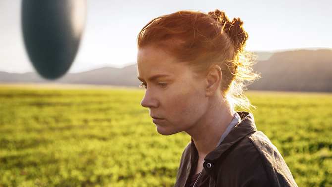 Amy Adams thinks about things, as we do, in ARRIVAL.